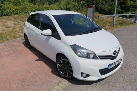 White Toyota Yaris VVT-i Trend 2012
