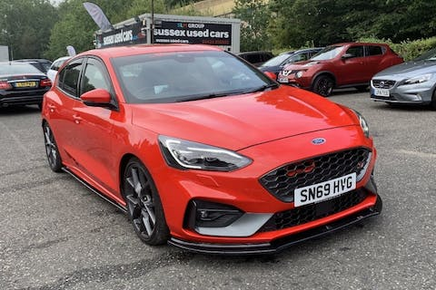 Red Ford Focus 2.3 St 2019