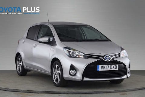 Silver Toyota Yaris VVT-i Icon M-drive S 2017