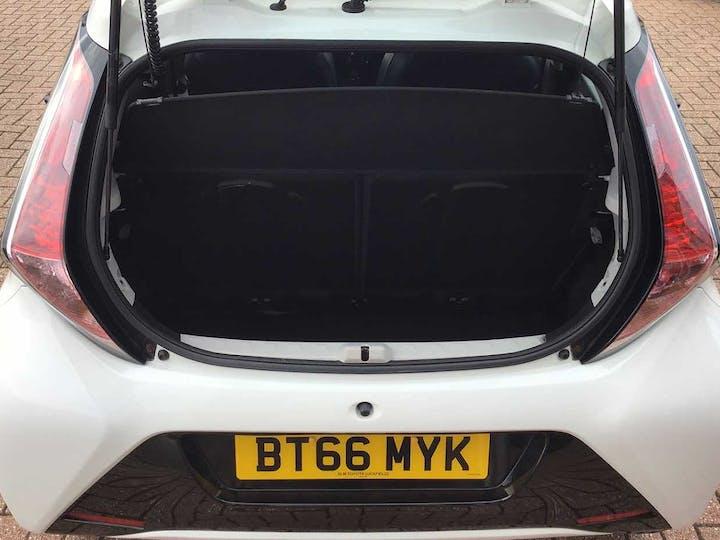 White Toyota Aygo VVT-i X-pression 2016