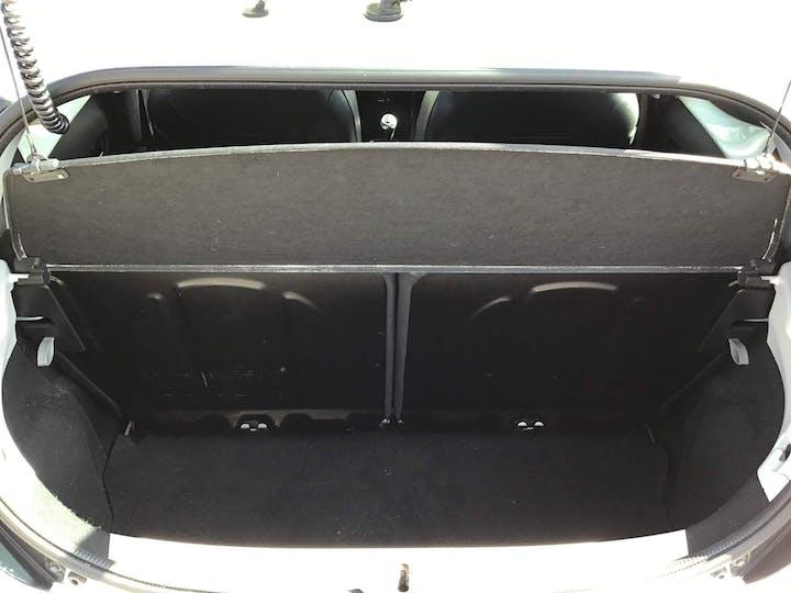 White Toyota Aygo VVT-i X-pression 2014