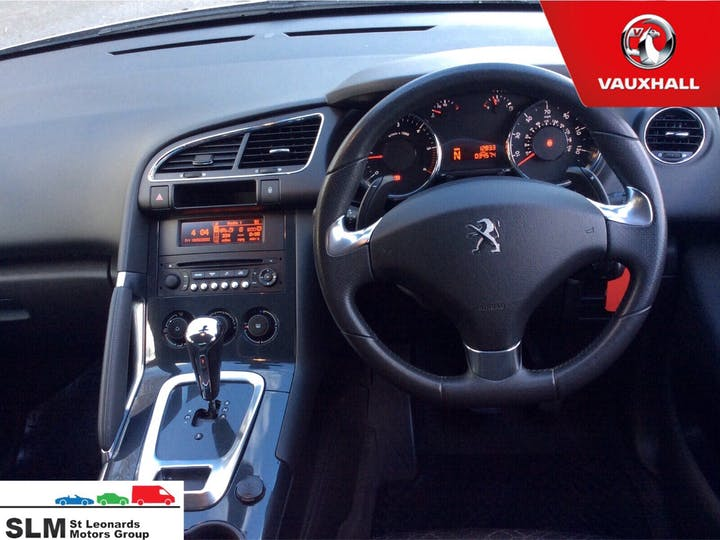 Silver Peugeot 3008 1.6 E-hdi Active 2015