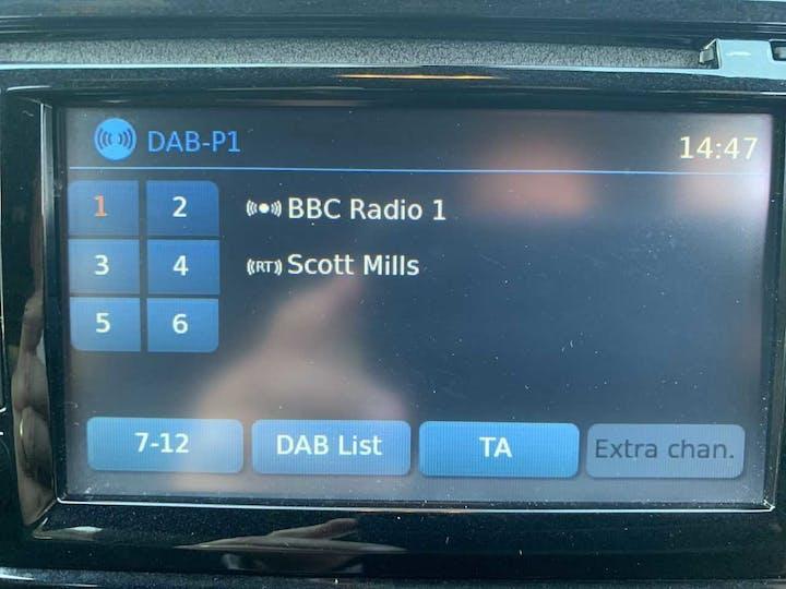 Black Nissan Juke N-connecta Dig-t 2017