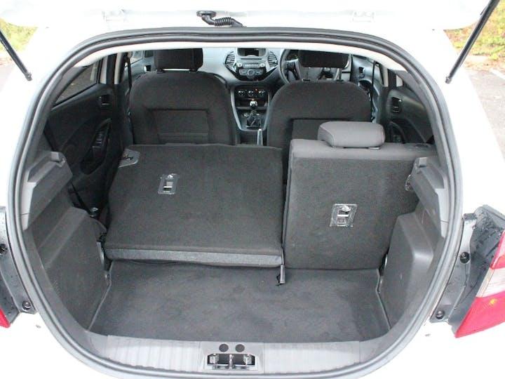 White Ford Ka Plus 1.2 Zetec White Edition 2017