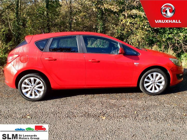 Red Vauxhall Astra 1.4 Active 2012