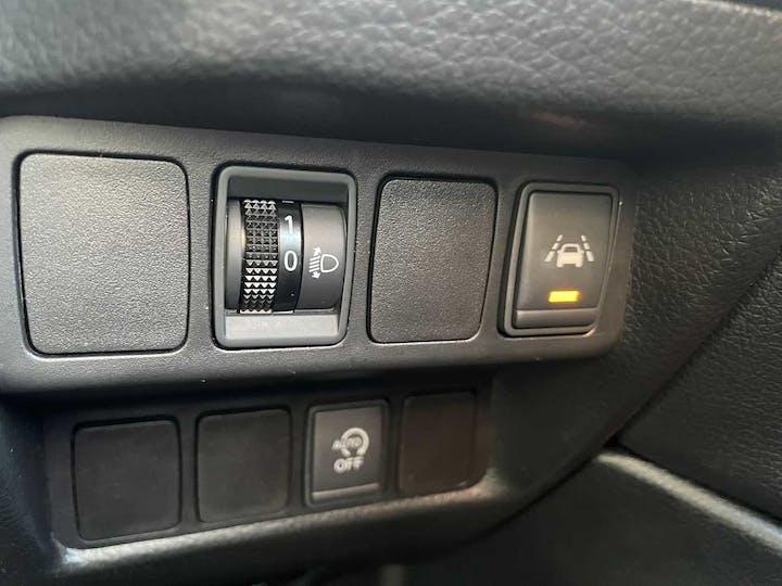 Silver Nissan Qashqai N-connecta Dci 2018