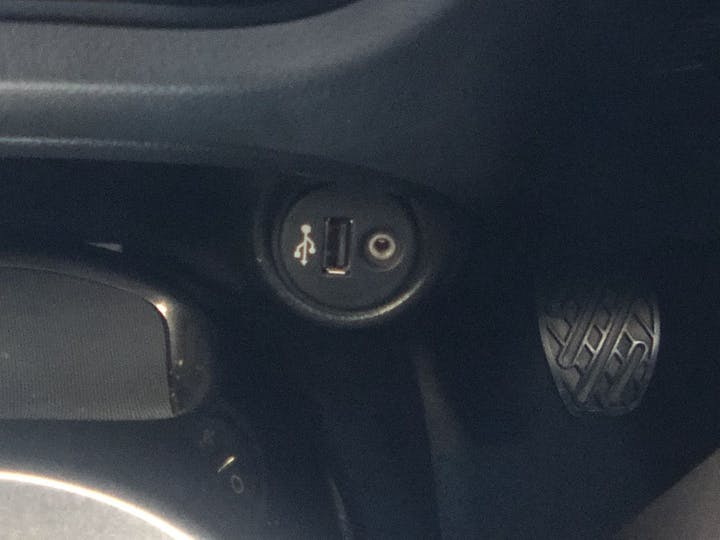 Black Nissan Juke 1.6 N-tec 2014