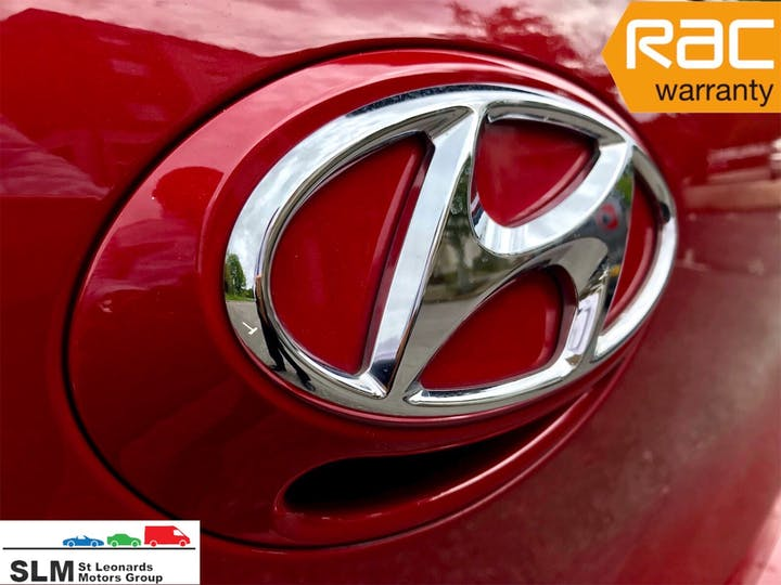 Red Hyundai i10 SE -0001