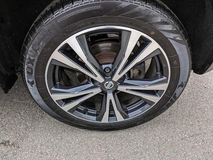 Grey Nissan Qashqai N-connecta Dig-t Xtronic 2017